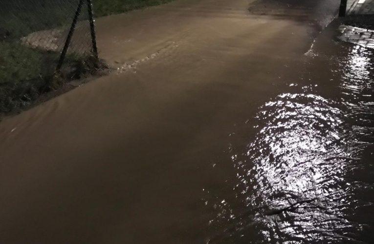 Überflutung Fahrbahn Töpferstraße